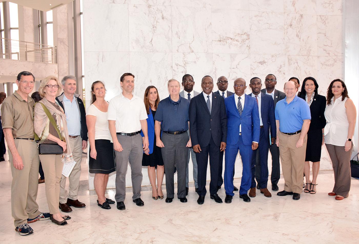 Le Ministre des Transports reçoit une délégation des membres du Congrès américain (MCC)