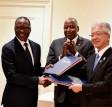 La Côte d'Ivoire signe un accord de partenariat au Japon pour l'installation d'une usine d'assemblage de véhicule à Abidjan