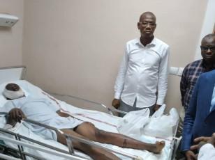 Grave accident sur l'autoroute / Le Ministre Amadou KONE aux côtés des blessés à N'Douci