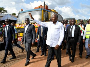 Infrastructures routières / Amadou Gon Coulibaly lancé à Man les travaux de 13 km de bitume