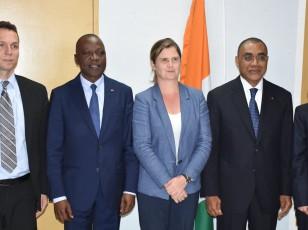 Signature d'un accord de financement du projet de mobilité urbaine d'Abidjan (PMUA)